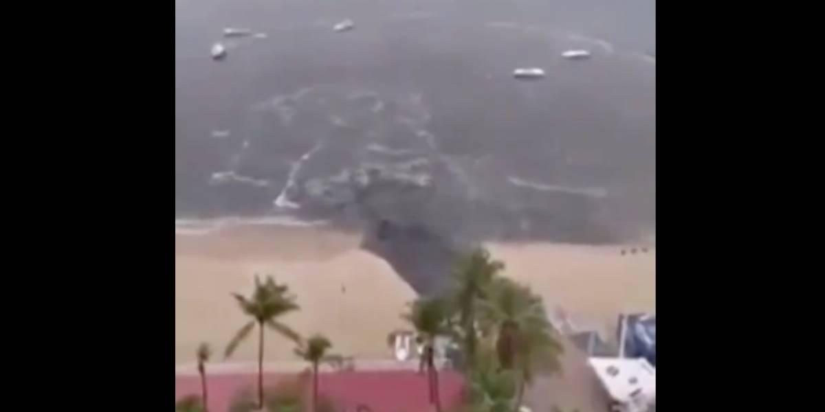 Video de una descarga de aguas servidas en plena playa genera indignación en redes sociales