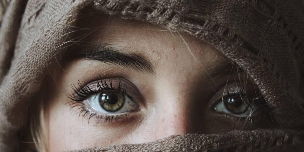 Um novo olhar: máscaras usadas na pandemia mudaram uso da maquiagem