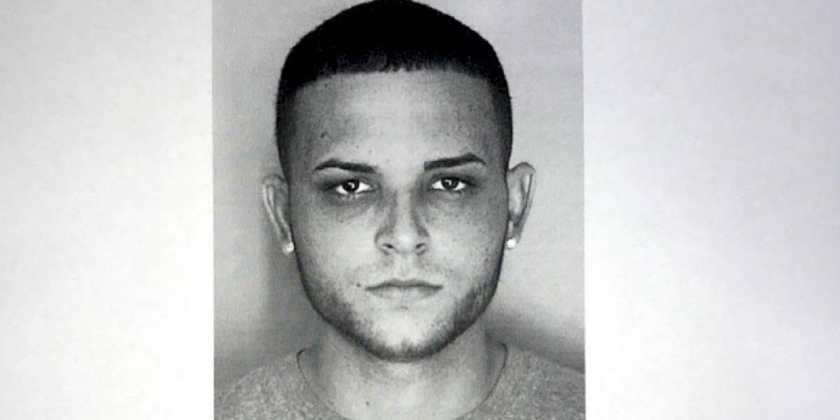 Buscan acusado en ausencia por asesinato de mujer en Arecibo