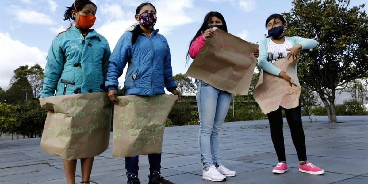Indígenas rechazan con plantón la violación de niña por parte de siete soldados