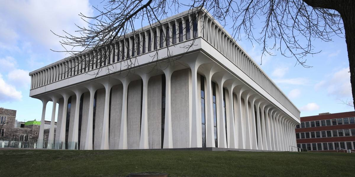 Universidad de Princeton retira nombre de Woodrow Wilson de facultad