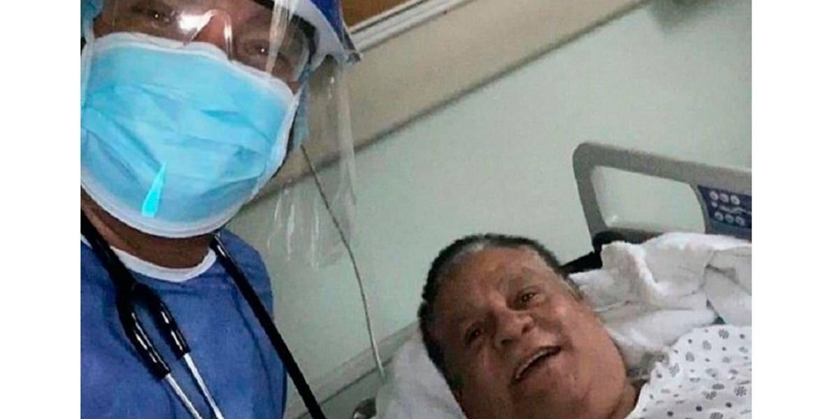 """Roberto """"Manos de Piedra"""" Durán está internado com covid-19"""