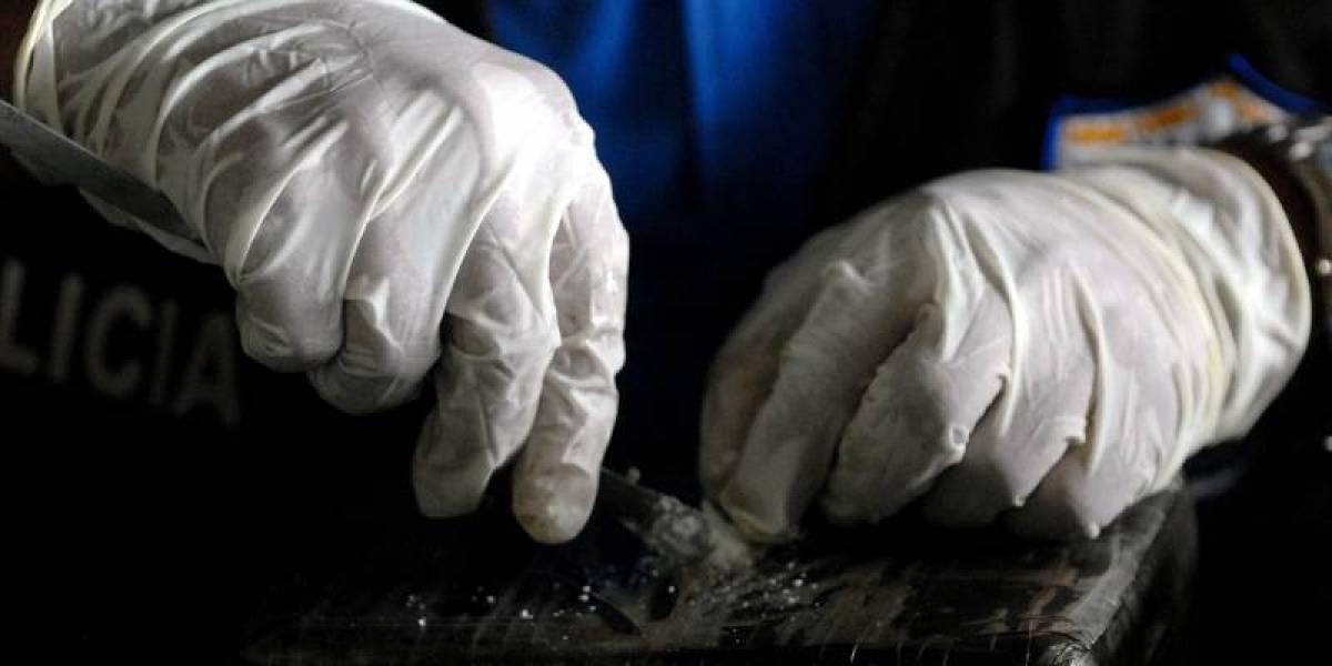 La nueva fórmula de los narcos: engañan a adultos mayores para transportar droga