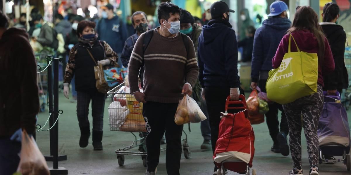 Domingo en la Vega Central: más aglomeraciones y más detenidos