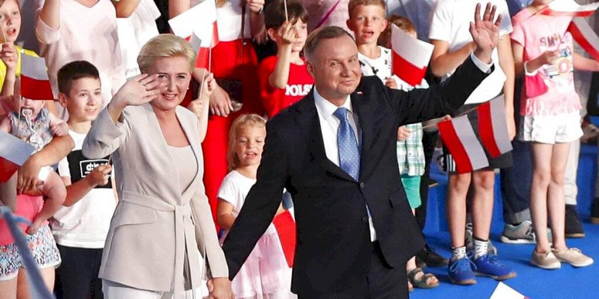 Presidente polaco Andrzej Duda gana la primera vuelta en las elecciones de acuerdo con sondeo