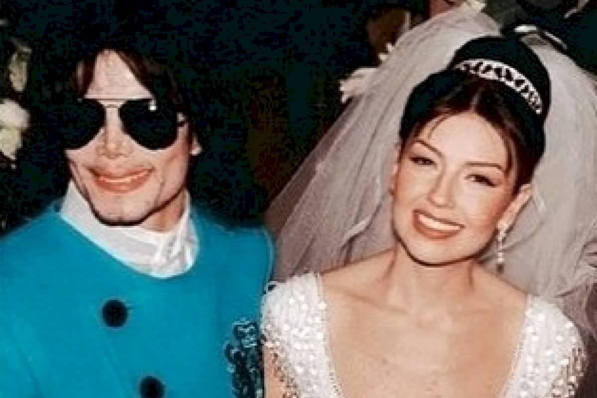 Thalía junto Michael Jackson en su boda