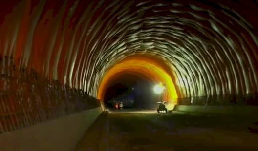 Por qué la gente ya se queja del túnel de La Línea sin aún haberse abierto al público