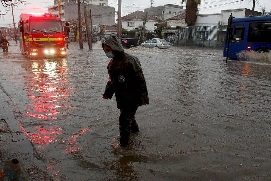 Calles inundadas en la comuna de El Bosque / Foto: Aton Chile