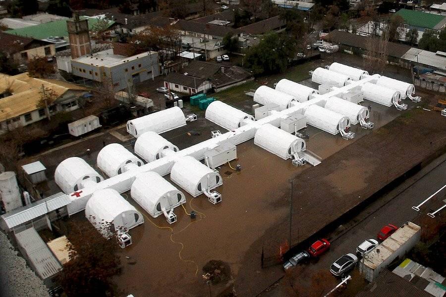 Inundaciones en el hospital de campaña en el Barros Luco / Foto: Aton Chile