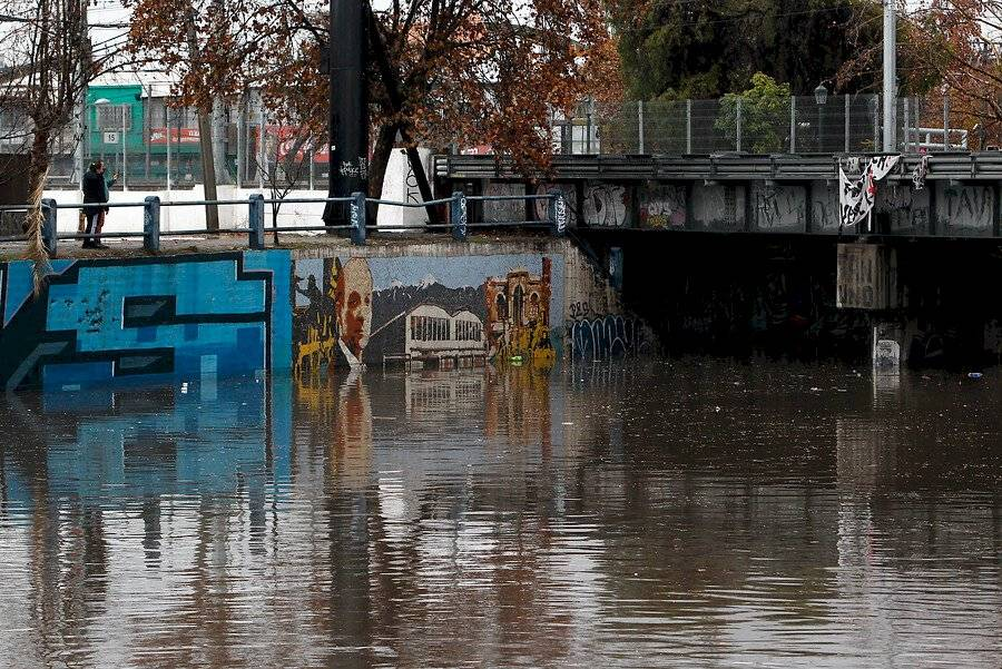 Inundación paso nivel Lo Ovalle / Foto: Aton Chile