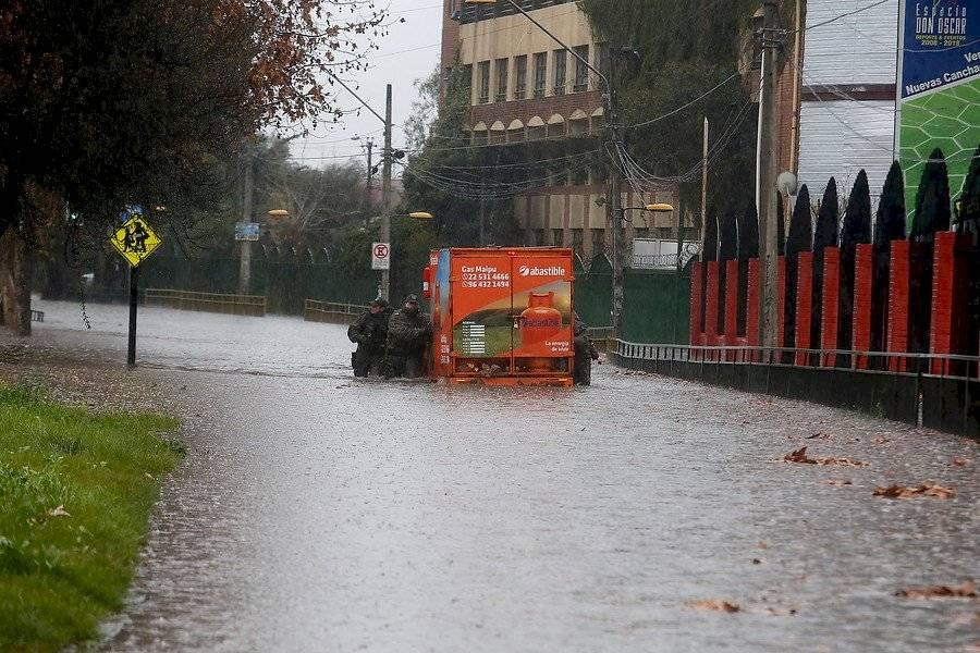 Calles inundadas en Maipú / Foto: Agencia UNO