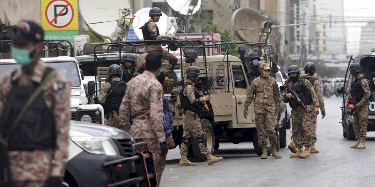 Al menos siete muertos deja ataque de separatistas contra la Bolsa de Pakistán en Karachi