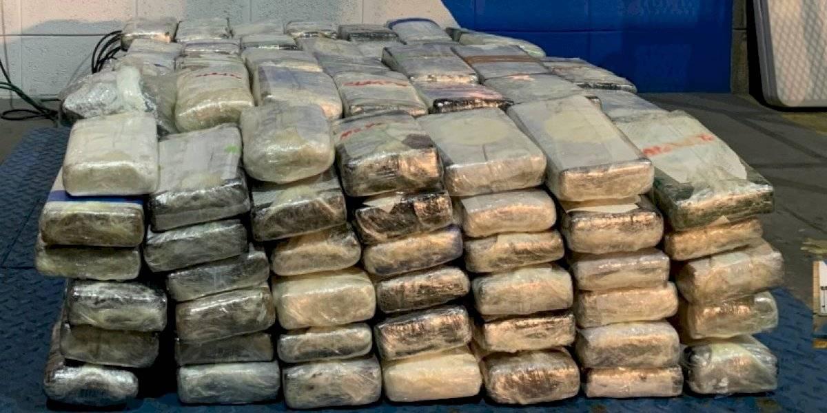 Confiscan 573 libras de cocaína ocultas dentro de un remolque a bordo del ferry