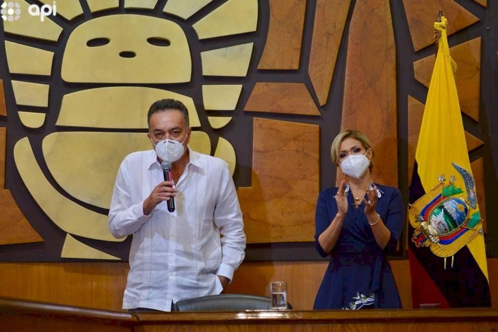 José Yúnez Parra es el nuevo viceprefecto del Guayas. La sesión estuvo presidida por la prefecta Susana González
