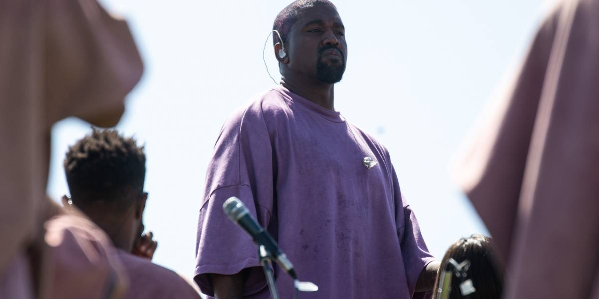 Con ayuda de Travis Scott, Kanye West publica un himno antirracista