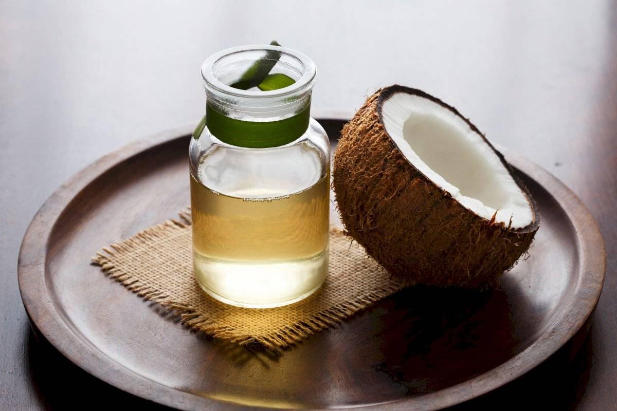 Aceite de coco, el secreto de varias famosas para lucir una melena brillante