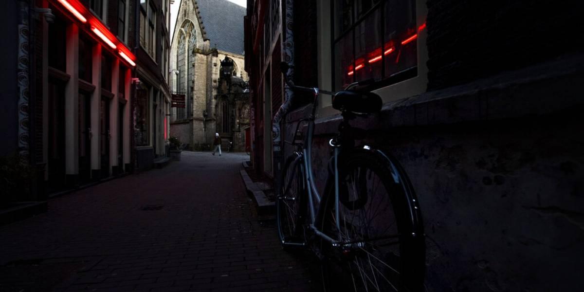 Reabre el distrito de rojo de Ámsterdam tras cuarentena