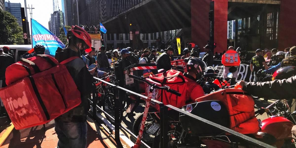 Entregadores lotam Av. Paulista e Centro do Rio em protesto por direitos trabalhistas