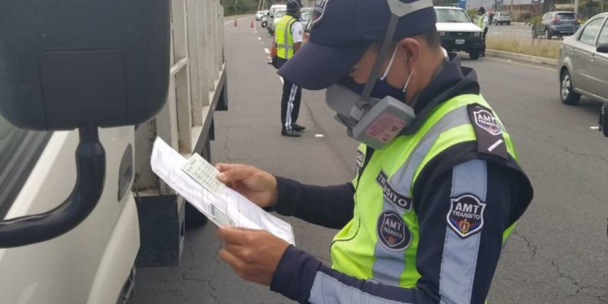 ¿Siguen vigentes los salvoconductos en Quito tras pedido de Concejo Metropolitano al COE Nacional?