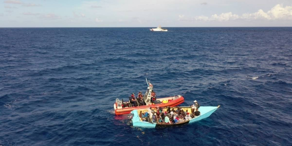 Guardia Costera repatría a 86 de 87 inmigrantes a la República Dominicana