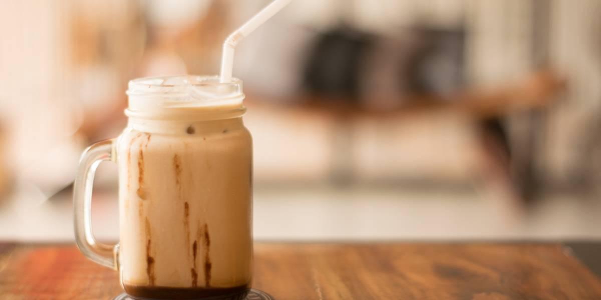 Faça um delicioso café gelado em casa com esta receita fácil
