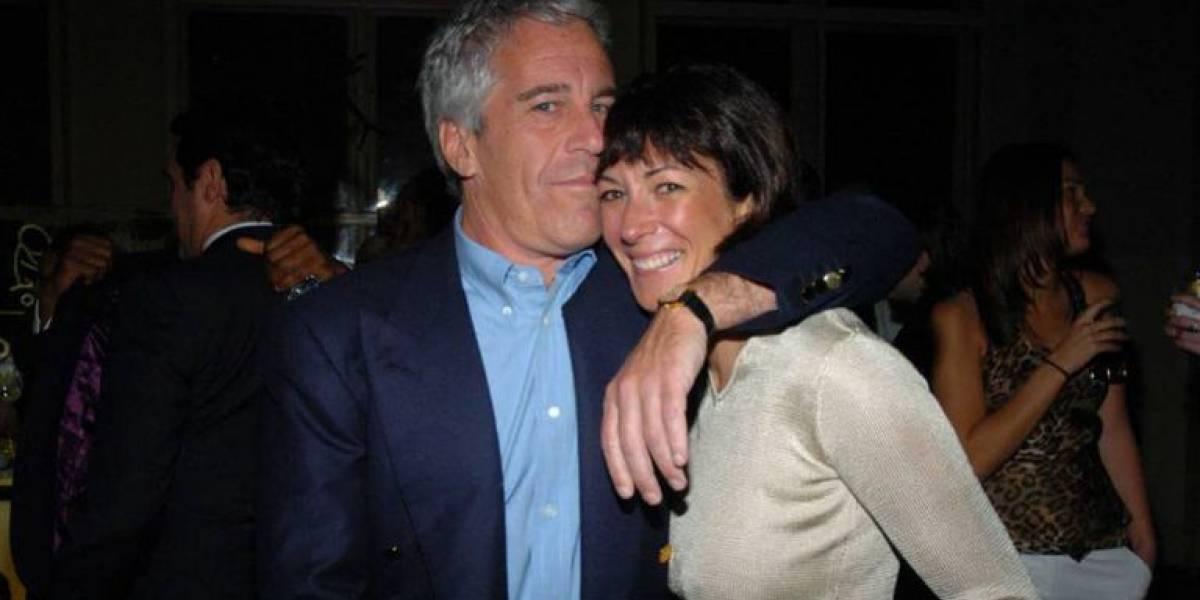 FBI detiene a pareja de Jeffrey Epstein por abuso de menores