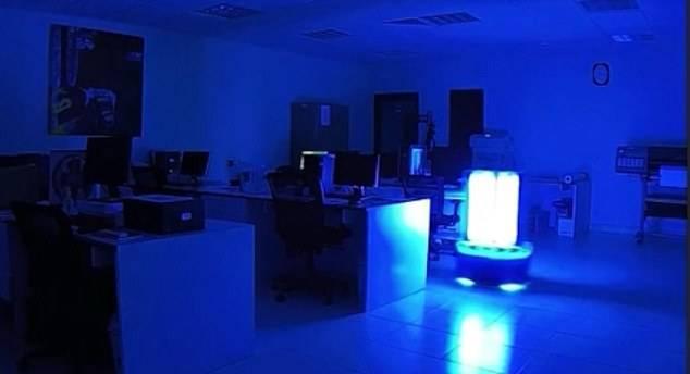Robot UV