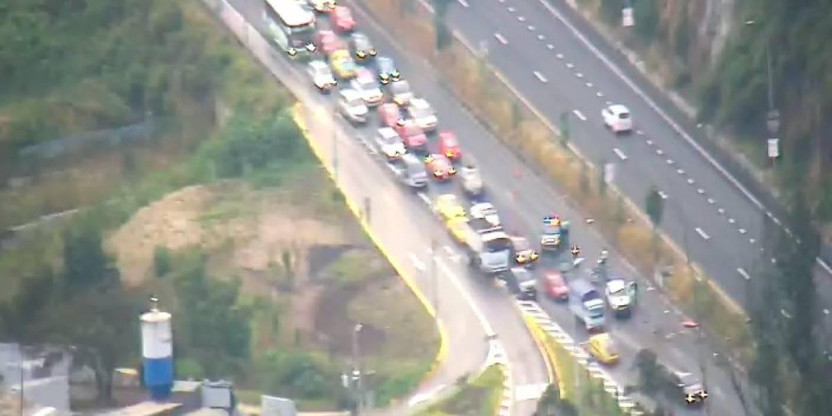 2 de julio: se registra congestión vehicular en la avenida Simón Bolívar por accidente de tránsito