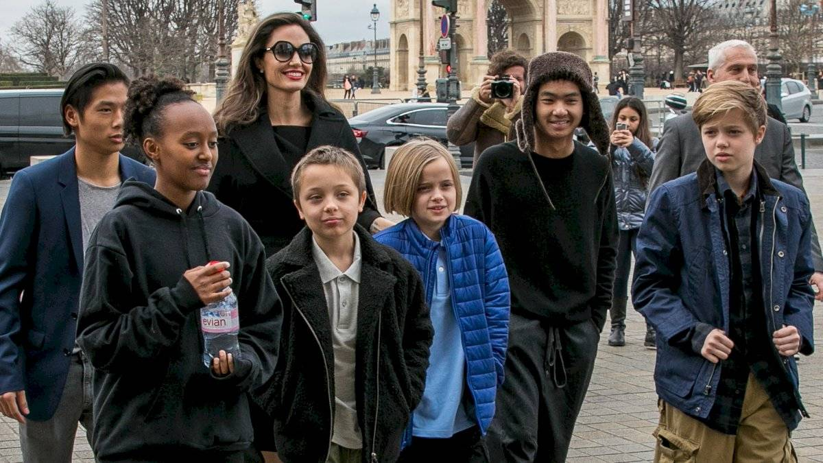 Angelina Jolie with their six children