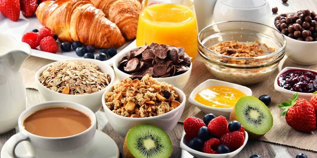 Prepara desayunos saludables y deliciosos para disfrutar en verano
