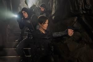 Em 'The Old Guard', super-heróis já não usam mais fantasia