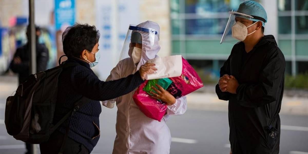 423 casos de coronavirus en un día en Ecuador