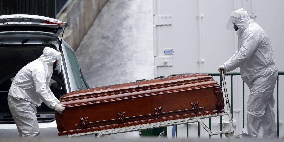 Mujer se contagió de Covid-19, lo ocultó a su familia y en 42 días murieron todos