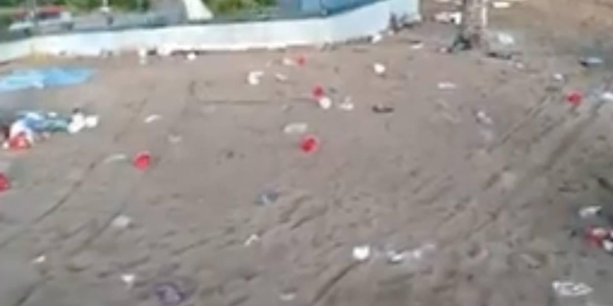 Playa de Isla Verde amanece llena de basura