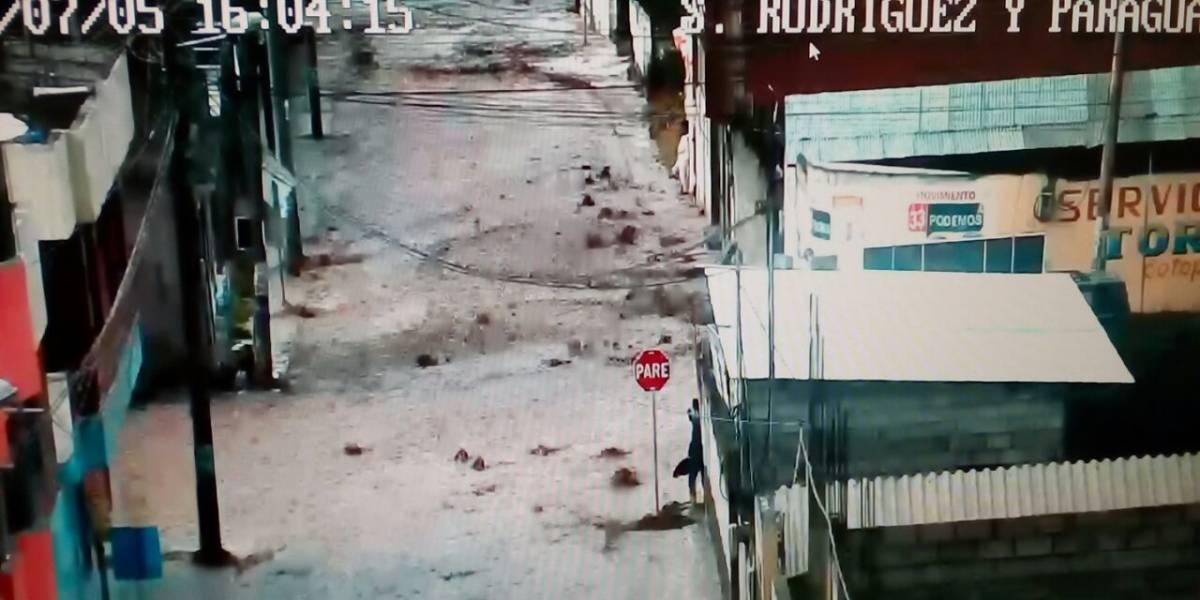 Se reportan inundaciones y granizo en Latacunga