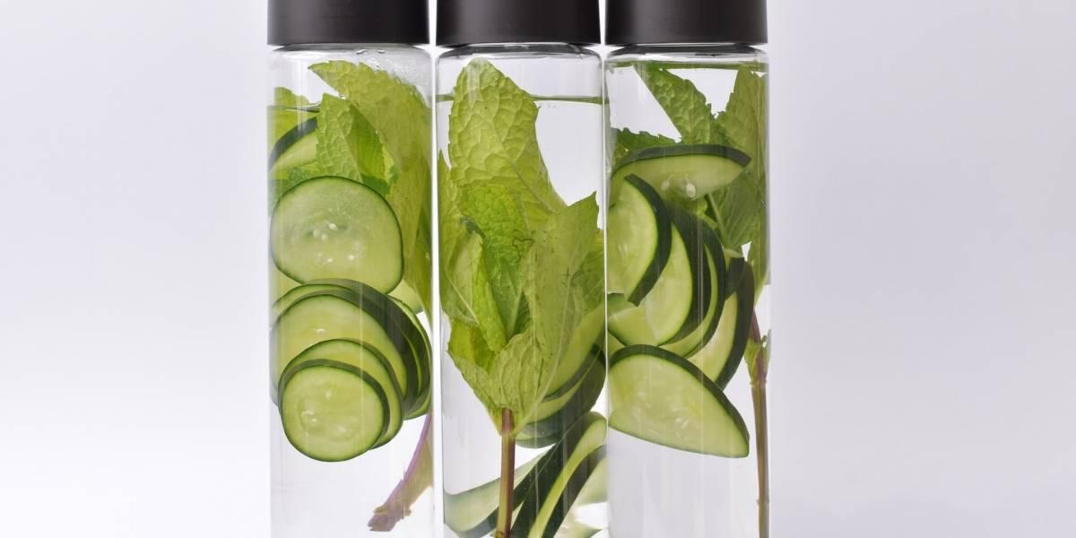 Como perder peso com este suco verde de pepino e hortelã