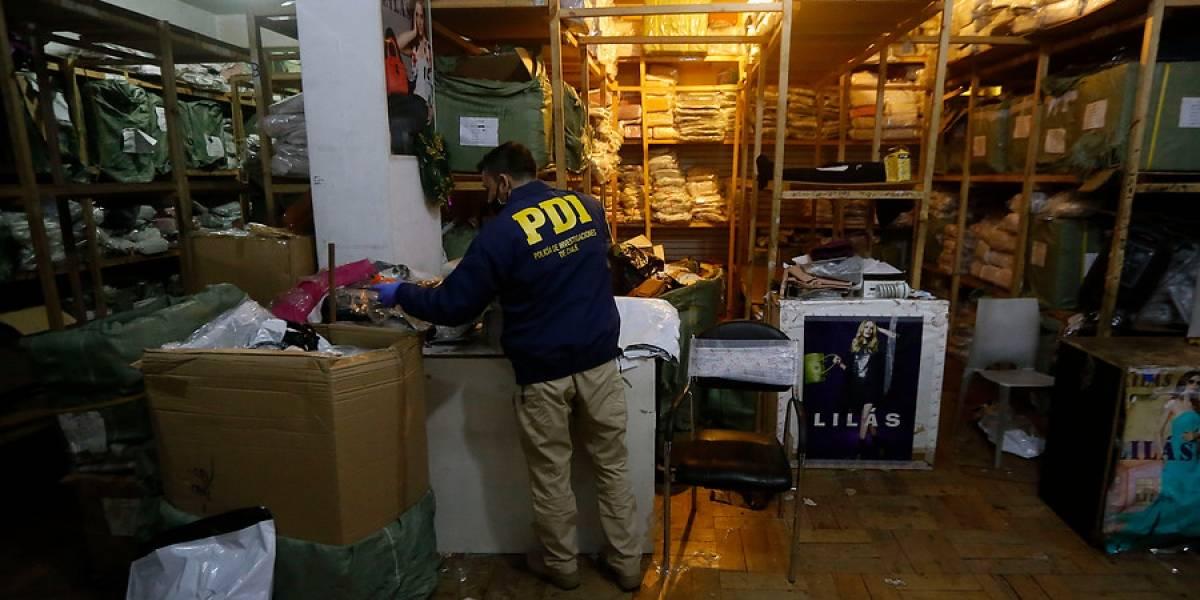 Fábrica de carteras fue clausurada: local ocupaba permisos falsos, no tenía baños, alcohol gel ni insumos de protección