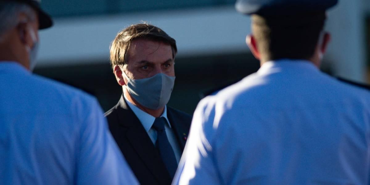 Bolsonaro sanciona MP que permite que empresas reduzam jornadas e salários