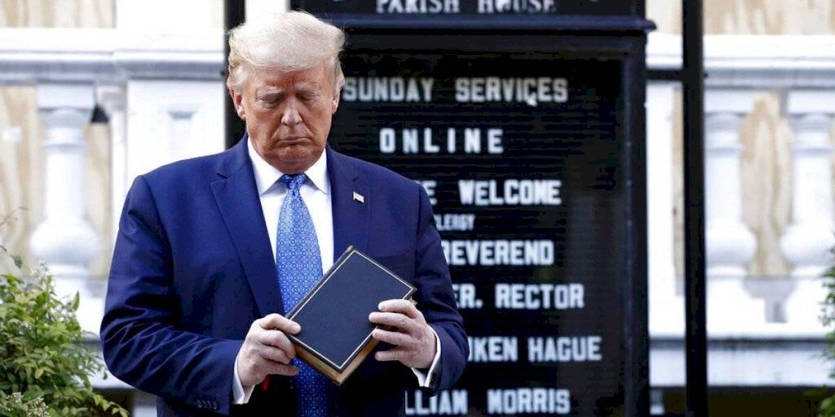 Acusan que cien empresas de amigos de Trump fueron las primeras en recibir ayuda del gobierno