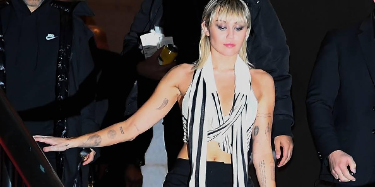 Miley Cyrus presume su figura y baile con su novio Cody Simpson