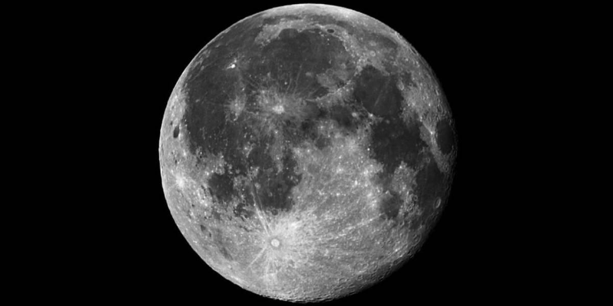 NASA: encuentran más metal en la luna de lo que se pensaba