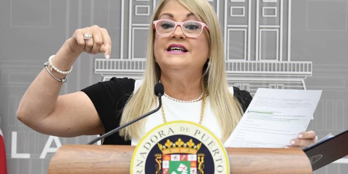 """Gobernadora emprende contra Dennise Longo y quienes lideran proceso """"vengativo"""" en su contra"""