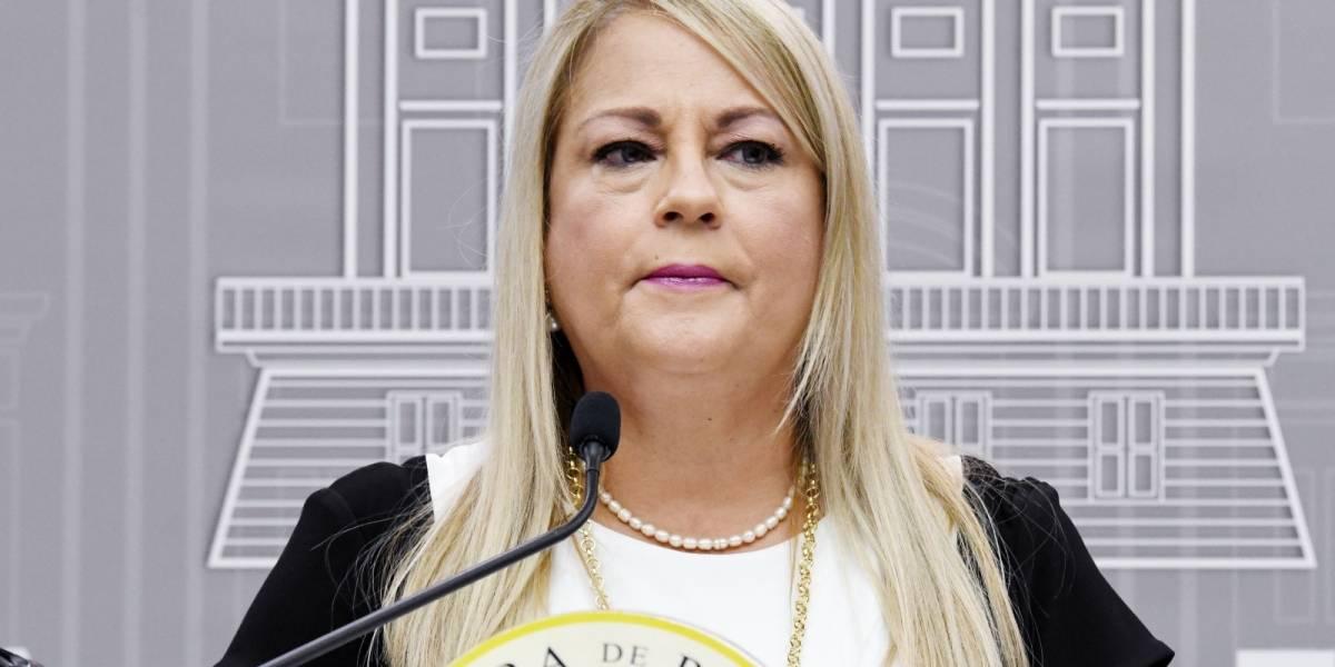 Reciben a Wanda Vázquez en Ponce con protesta exigiéndole renuncia