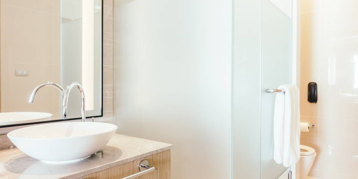 10 passos rápidos para manter o banheiro limpo e perfumado sempre