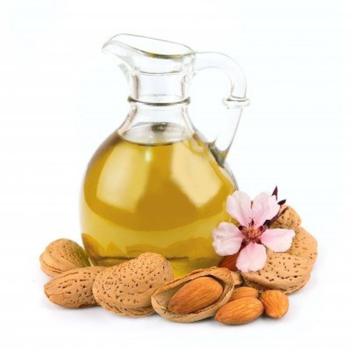 El aceite de almendras colocado en la zona afectada hará que las manchas se aclaren con rapidez