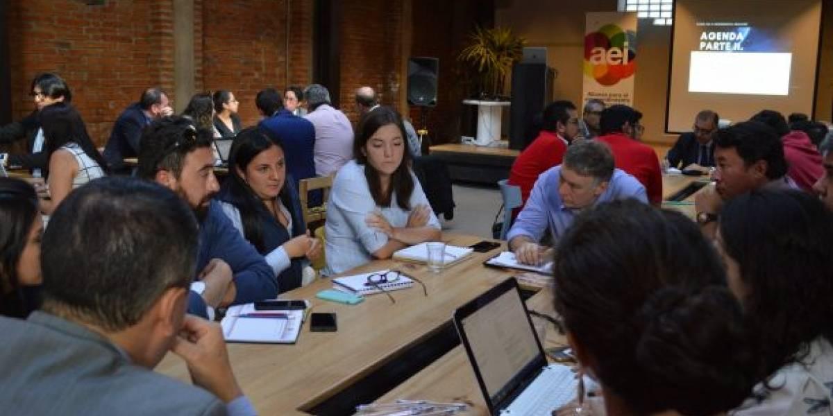La AEI presenta reto para identificar ideas innovadoras para impulsar la economía del país