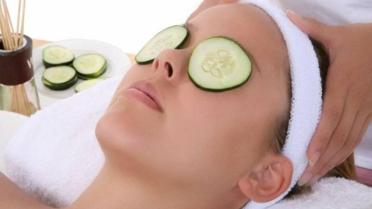 El pepino es uno de los remedios más naturales contra las ojeras.