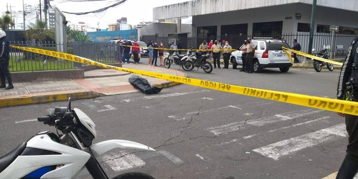 Asesinan a ciudadano que acompañaba a retirar dinero de un banco en el norte de Quito