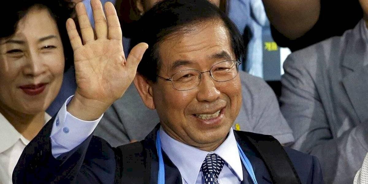 Desaparece alcalde de Seúl tras dejar un mensaje que parece testamento