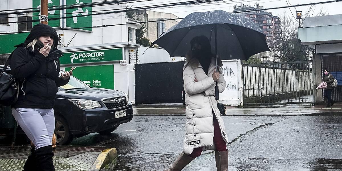 Hay un sol engañoso: esta noche vuelven las lluvias a la Región Metropolitana